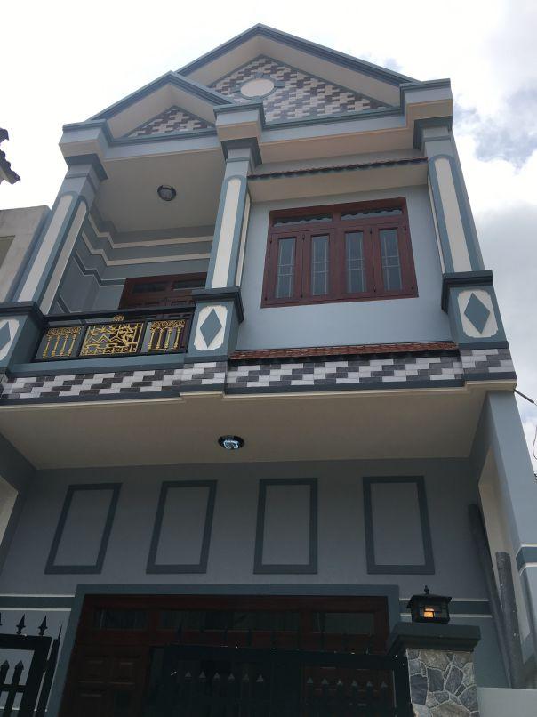 Nhà 1 lầu 1 trệt mái thái cần bán ở dĩ an bd