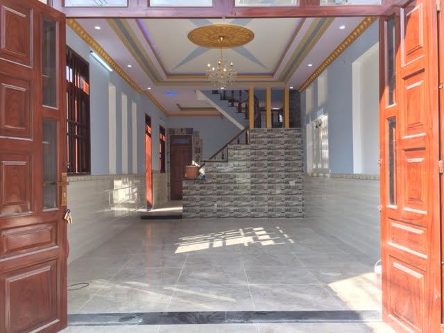 Phòng khách được thiết kế hiện đại