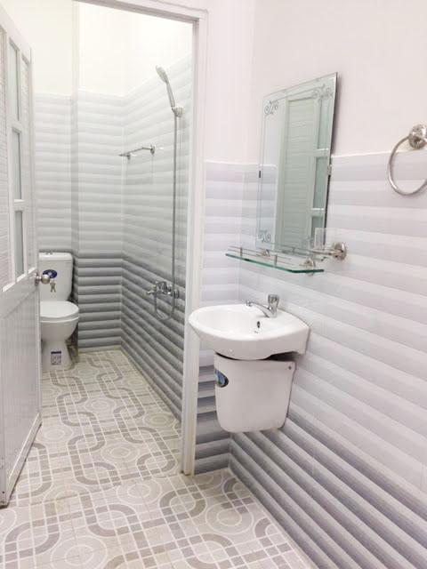 Phòng tắm thiết kế sang trọng