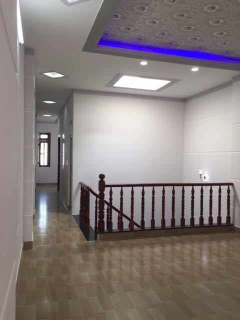 Tầng  lầu rộng rãi