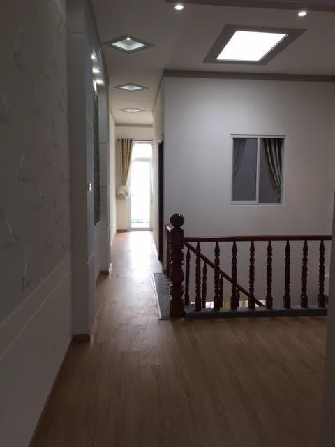Mẫu tay vịn cầu thang làm bằng gỗ
